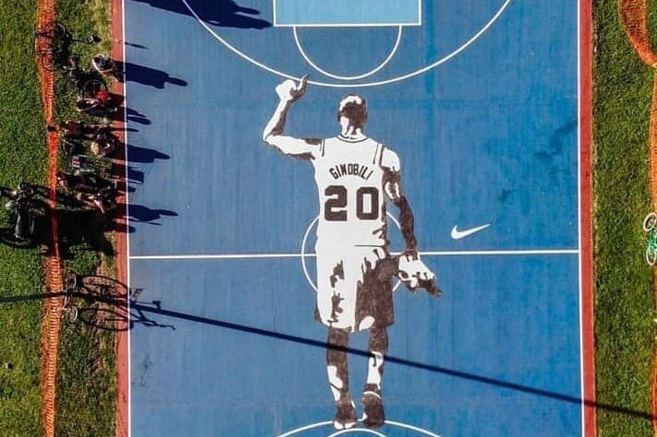 A court in Buenos Aires honors The Manu