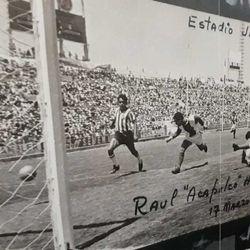 "Raúl ""Acapulco"" Herrera scores a goal March 17, 1968 at Estadio Jalisco. This is the goal that put Torreón into the Primera División."