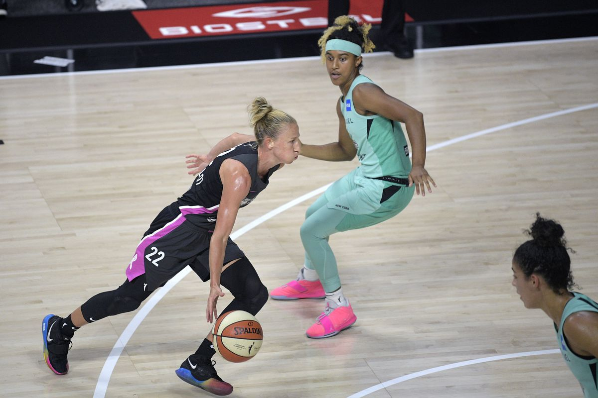 The Sky's Courtney Vandersloot is the first WNBA player to average 10 assists per game.