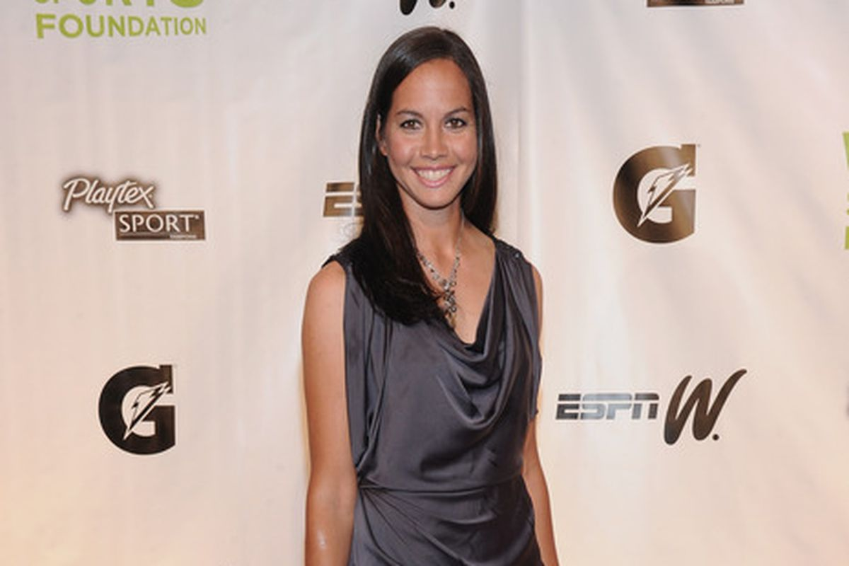 Hey, Cat Osterman. Can we get a couple innings Sunday?