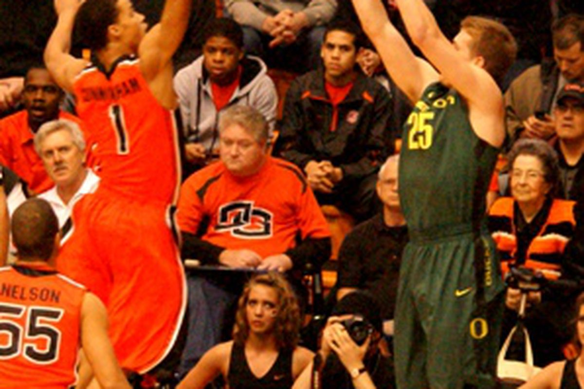 Oregon St.'s Jared Cunningham and Oregon's EJ Singler will lead the Beavers and the Ducks into the 336th Civil War today. (Photo by Andy Wooldridge)