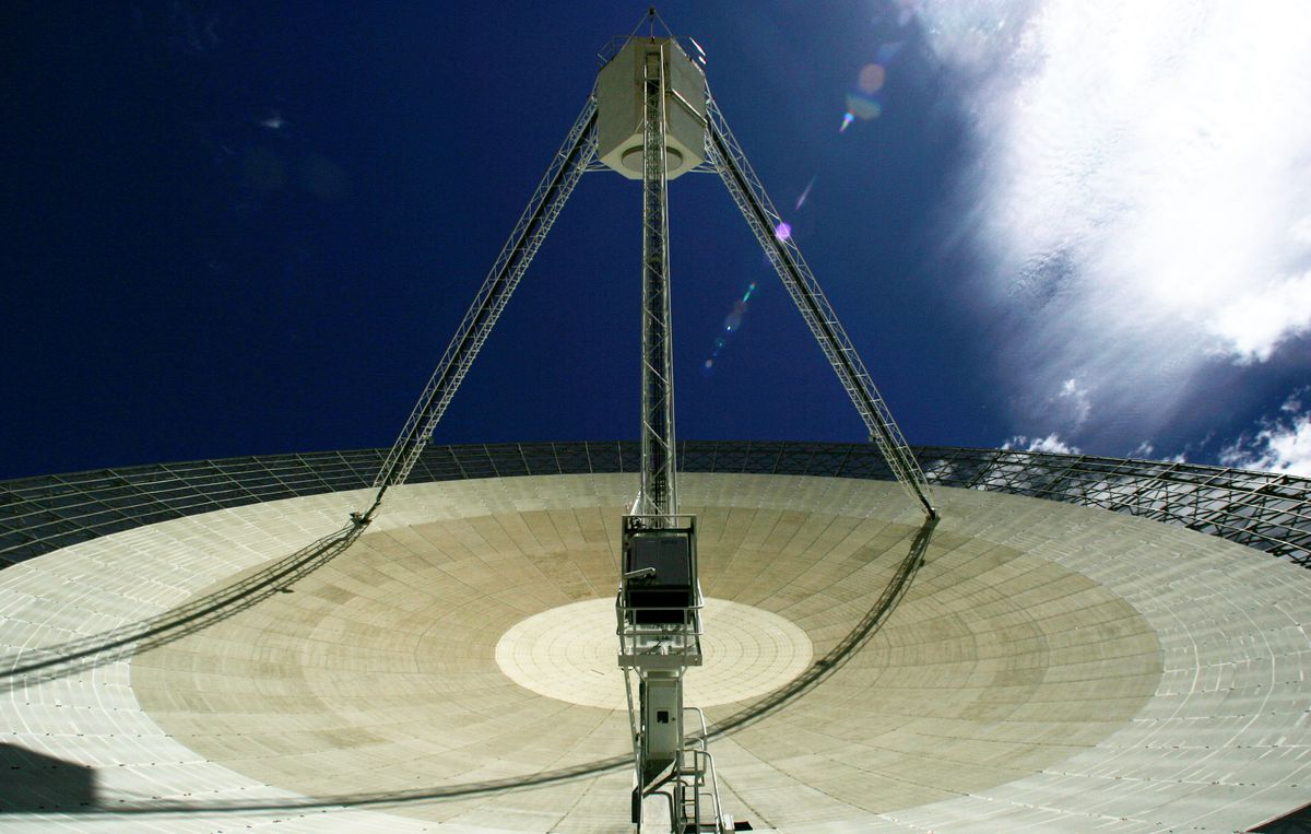 'The Dish' Radio Telescope
