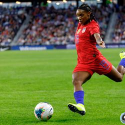 September 3, 2019 - Saint Paul, Minnesota, United States - USA defender Crystal Dunn (19) crosses the ball during the USA World Cup Victory Tour match against Portugal at Allianz Field.