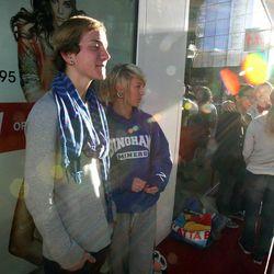 Navar Gottschalk, left, and Corinne Larsen were first in line at H&M as City Creek Center opens in Salt Lake City, Thursday, March 22, 2012.