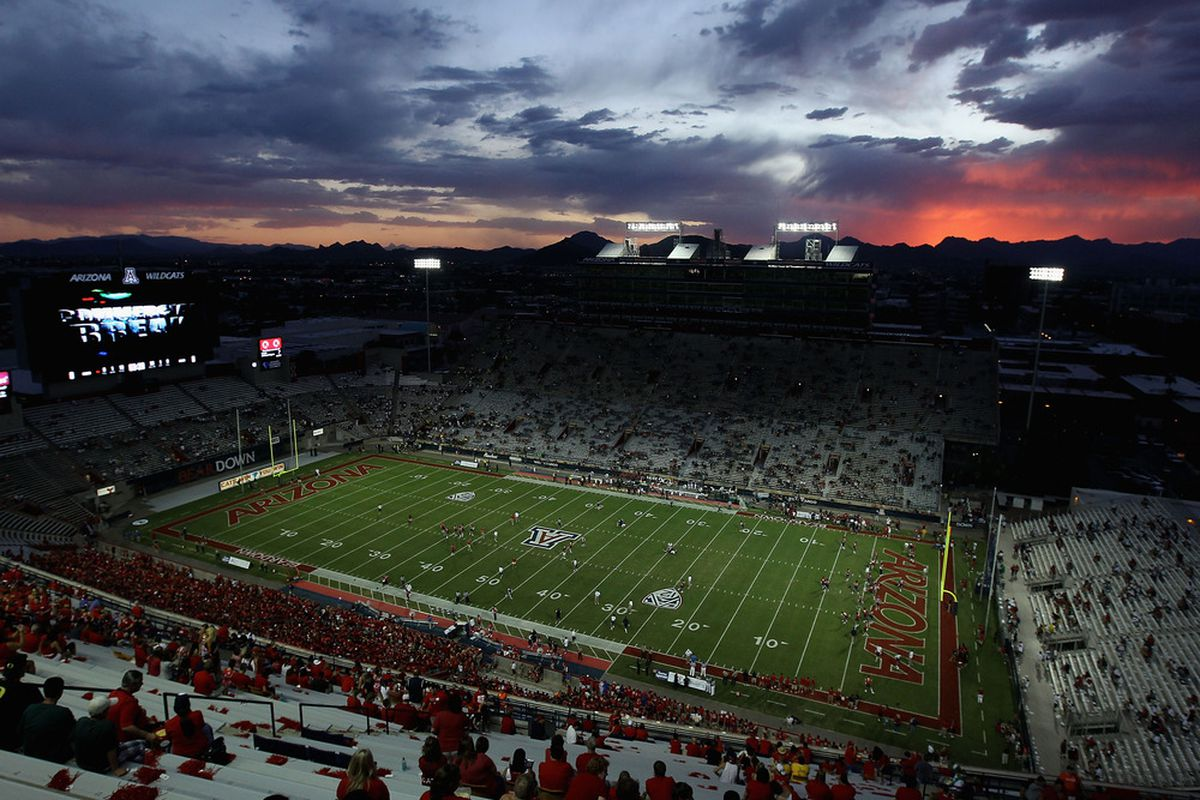 TUCSON, AZ - SEPTEMBER 24:  General view of the sunset as the Arizona Wildcats warm up before the college football game against the Oregon Ducks at Arizona Stadium on September 24, 2011 in Tucson, Arizona.  (Photo by Christian Petersen/Getty Images)