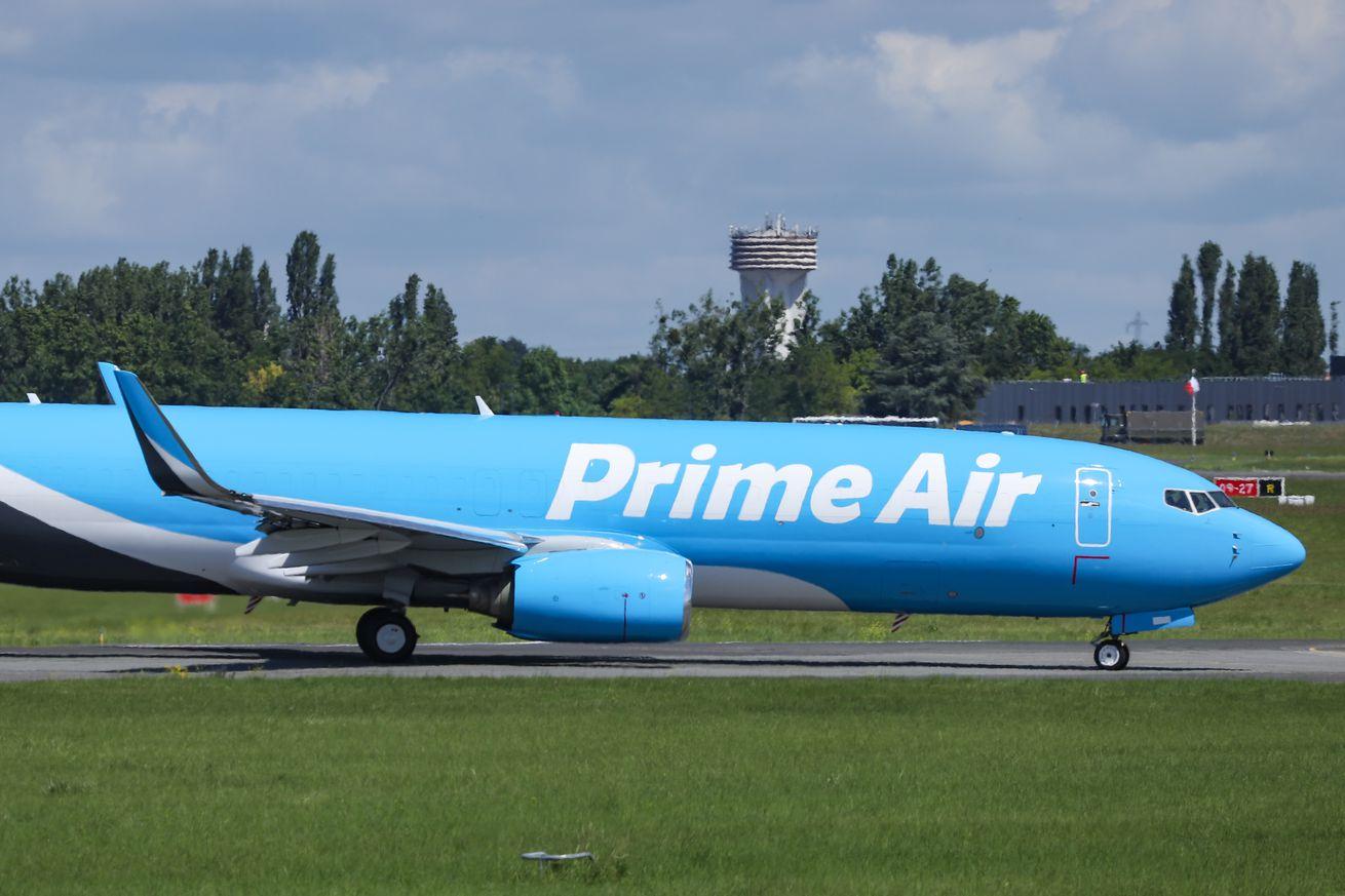 Amazon Prime Air Boeing 737
