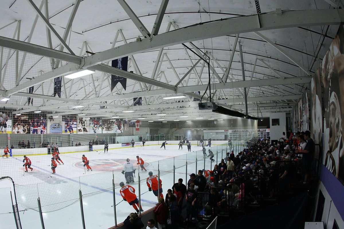 Report: Islanders buy bankrupt Twin Rinks facility, plan for