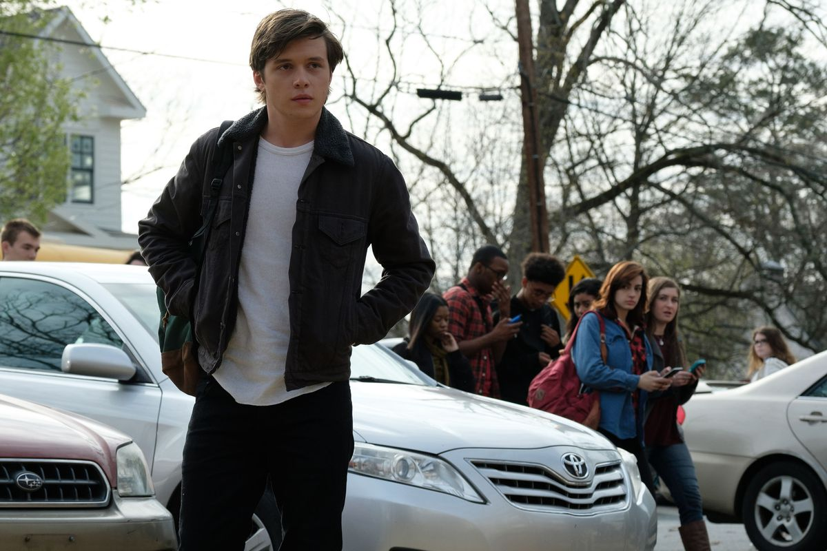 Love Simon Review Giving Gay Teens A Romantic Hero Of Their Own Vox