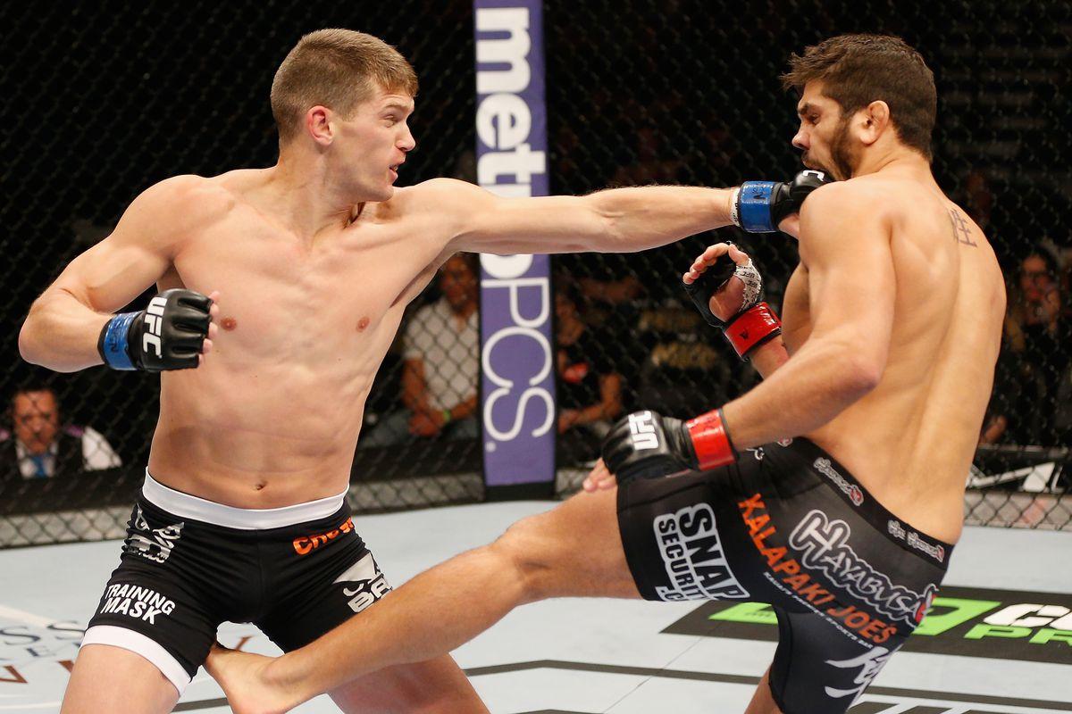 UFC 178 - Cote v Thompson