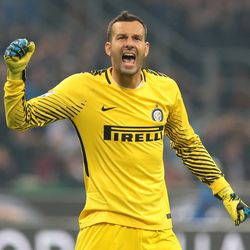 Samir Handanovic of FC Internazionale Milano celebrates after his team-mate Mauro Emanuel Icardi scored during the Serie A match between FC Internazionale and AC Milan at Sta