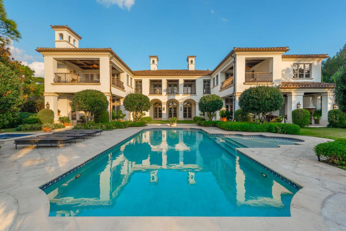 Michael Jordan S Neighbor Sells Florida Home For 7 55m