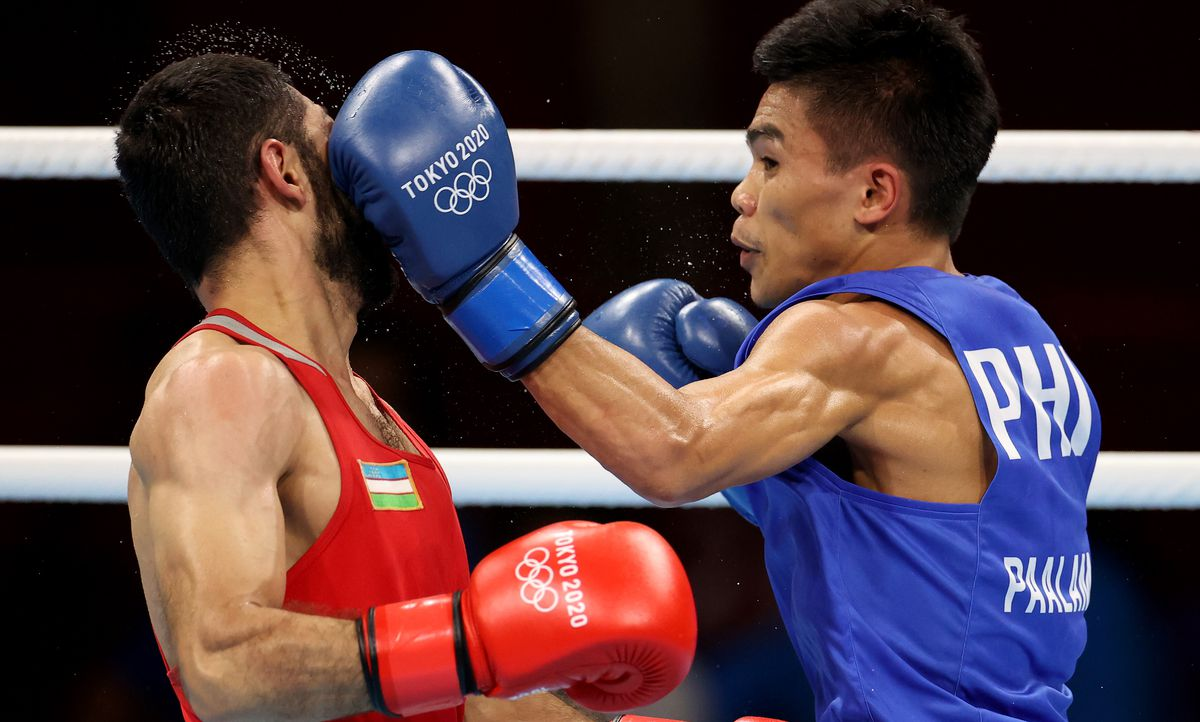 Carlo Paalam secured at least a bronze medal for the Philippines in the Tokyo Olympics.