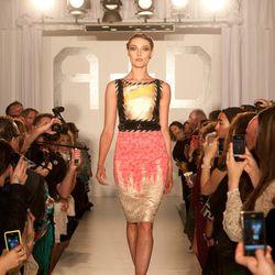 Trina Turk dress. All runway photos by Harry van Gorkum at lighttravelsphoto.com
