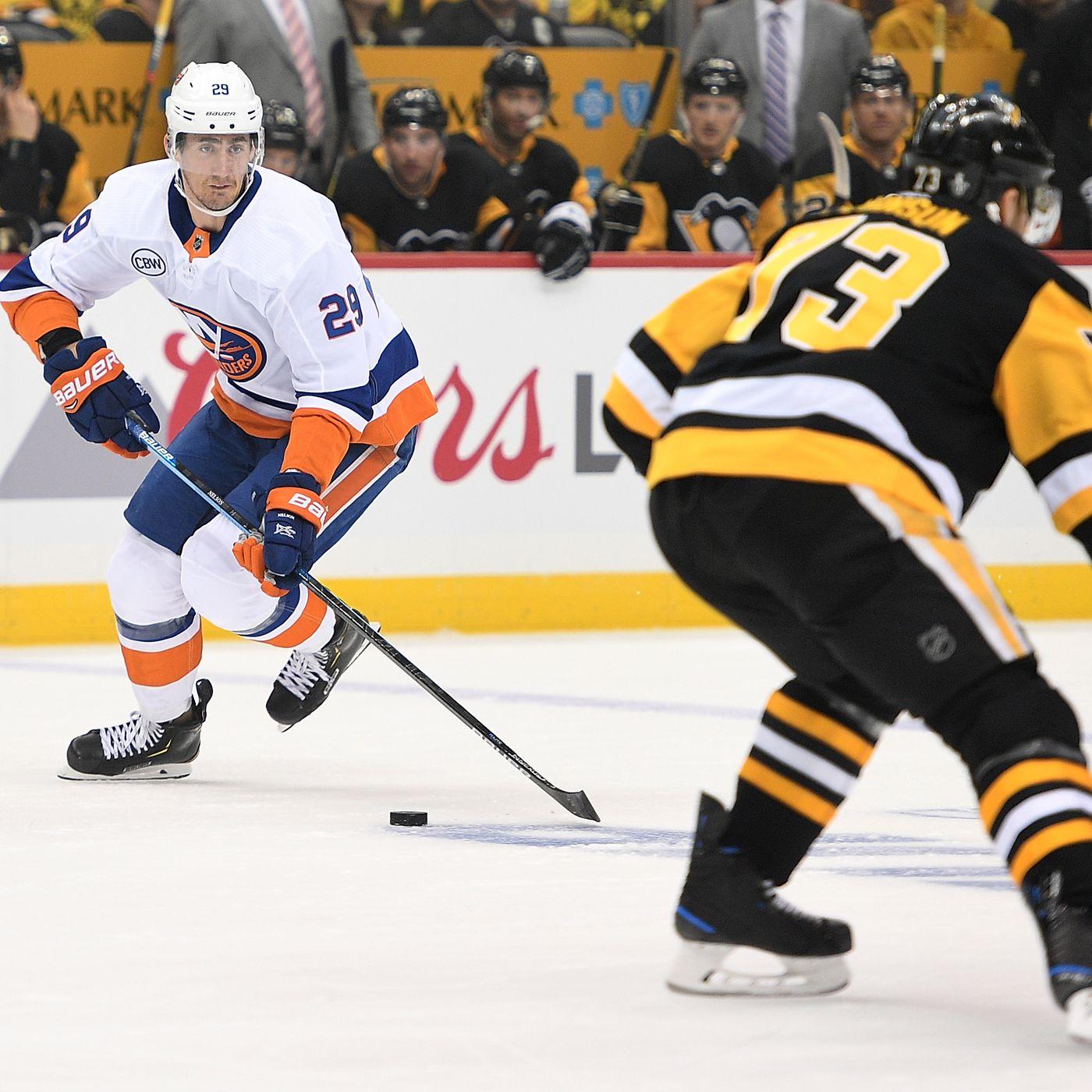 4ee0b30f393 Game 3 Penguins/Islanders Recap: Another poor Pens effort puts on verge of  elimination