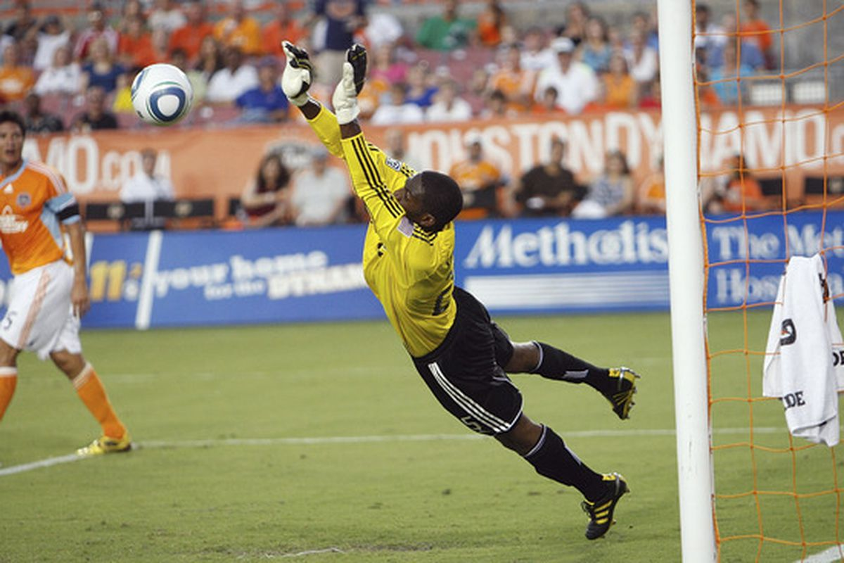 Sean Johnson has been rounding into form nicely as of late.  The Olympic Qualifying debacle seems to be firmly behind him.  Where does he rank among goalkeepers in the Castrol Index?  Read below to find out.  (Photo by Bob Levey/Getty Images)