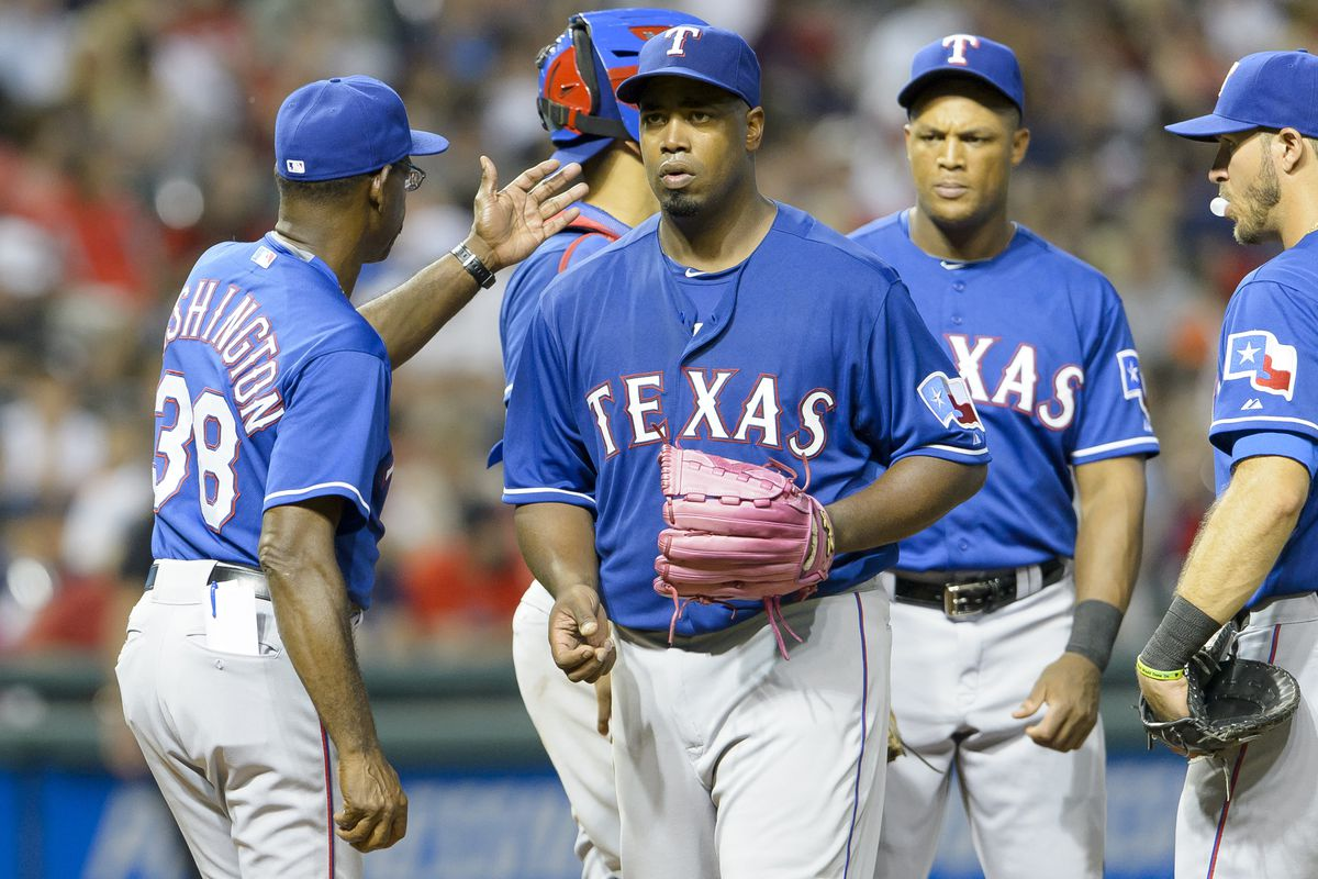 This may or may not be a picture of Ron Washington trying to slap Jerome Williams.