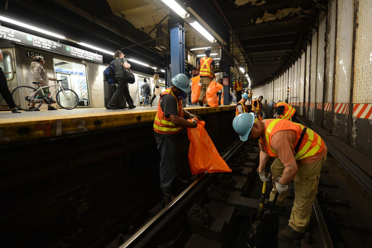 Lhota Says Harlem Track Fire Sparks MTA Discussion On Subway Food Ban