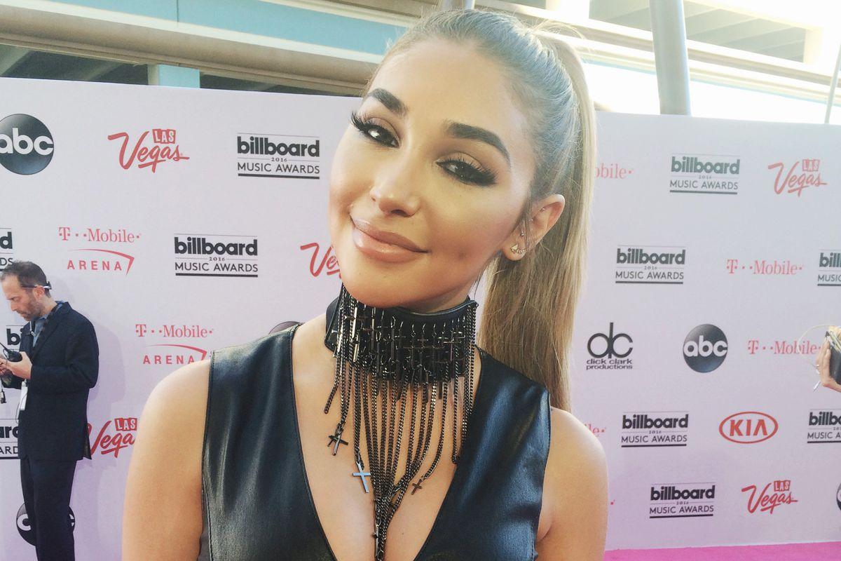 Chantel Jeffries at the 2016 Billboard Music Awards