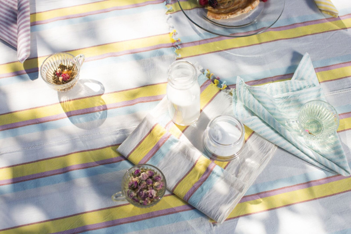 Heather Taylor Home outdoor table setting