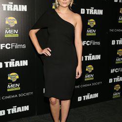 Mischa Barton at The Cinema Society & Banana Boat's premiere of <i>The D Train</i> on May 6th.