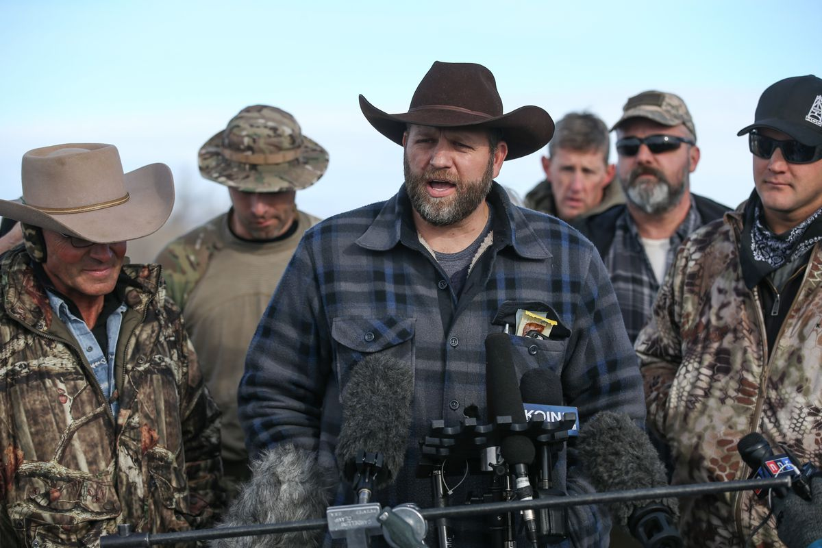 Ammon Bundy, the leader of an anti-government militia, speaks to members of the media in front of the Malheur National Wildlife Refuge Headquarters on January 6, 2016 near Burns, Oregon.