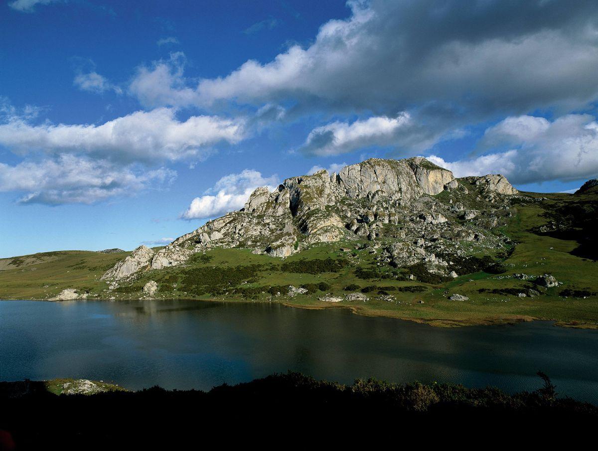 Lagos de Covadonga photo