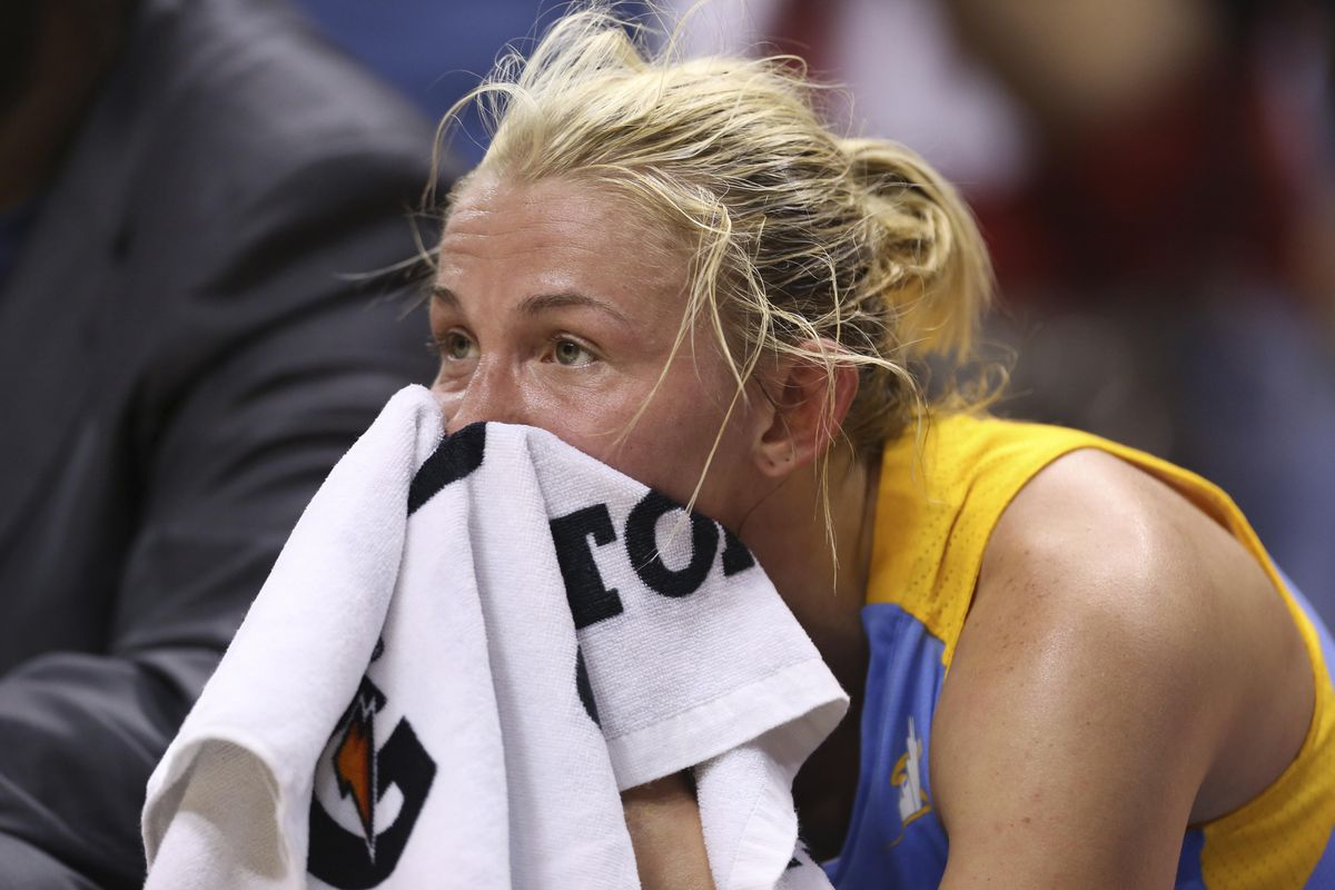 Chicago Sky guard Courtney Vandersloot shot just 6-for-20 in two games against the Indiana Fever.