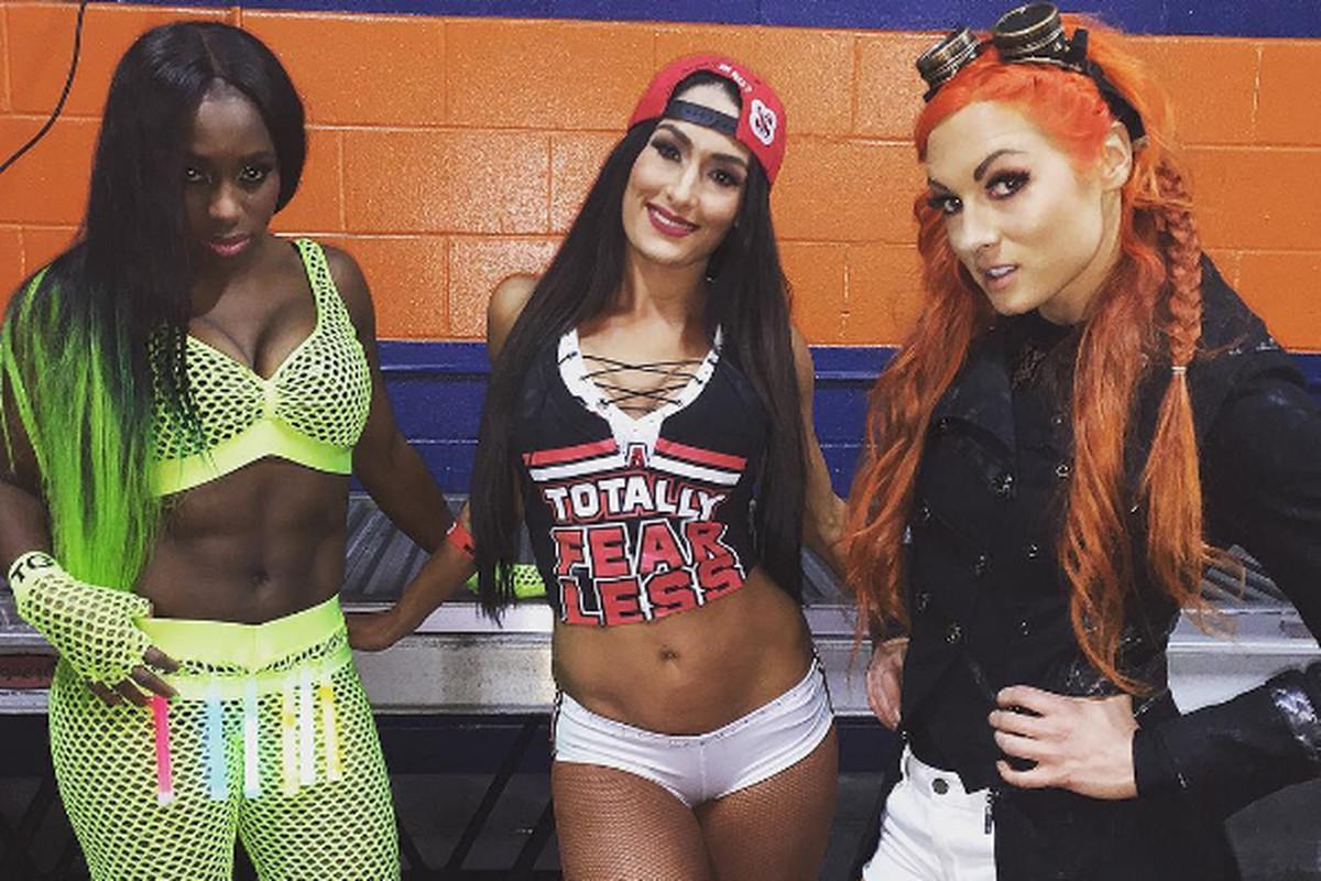 WWE Royal Rumble 2017 results: Naomi pins Alexa Bliss to ...