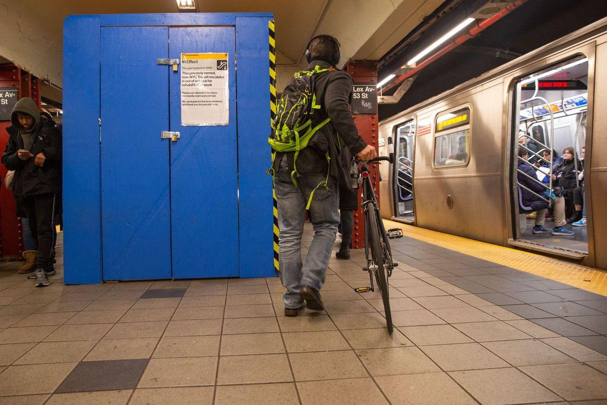 53rd Street station escalator