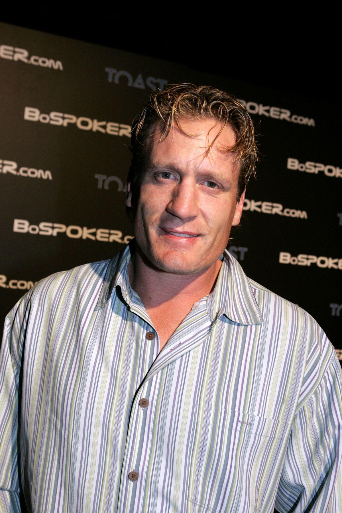 BosPoker.com 2004 Celebrity Poker Tournament - Inside