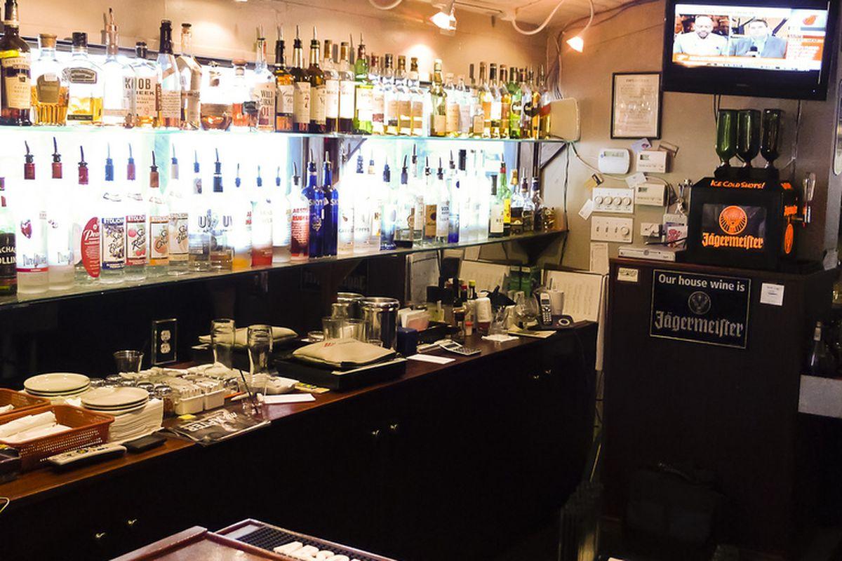Mugsy's Bar