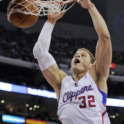 Los Angeles Clippers forward Blake Griffin dunks during the first half of their NBA basketball game against the Sacramento Kings, Saturday, April 7, 2012, in Los Angeles.