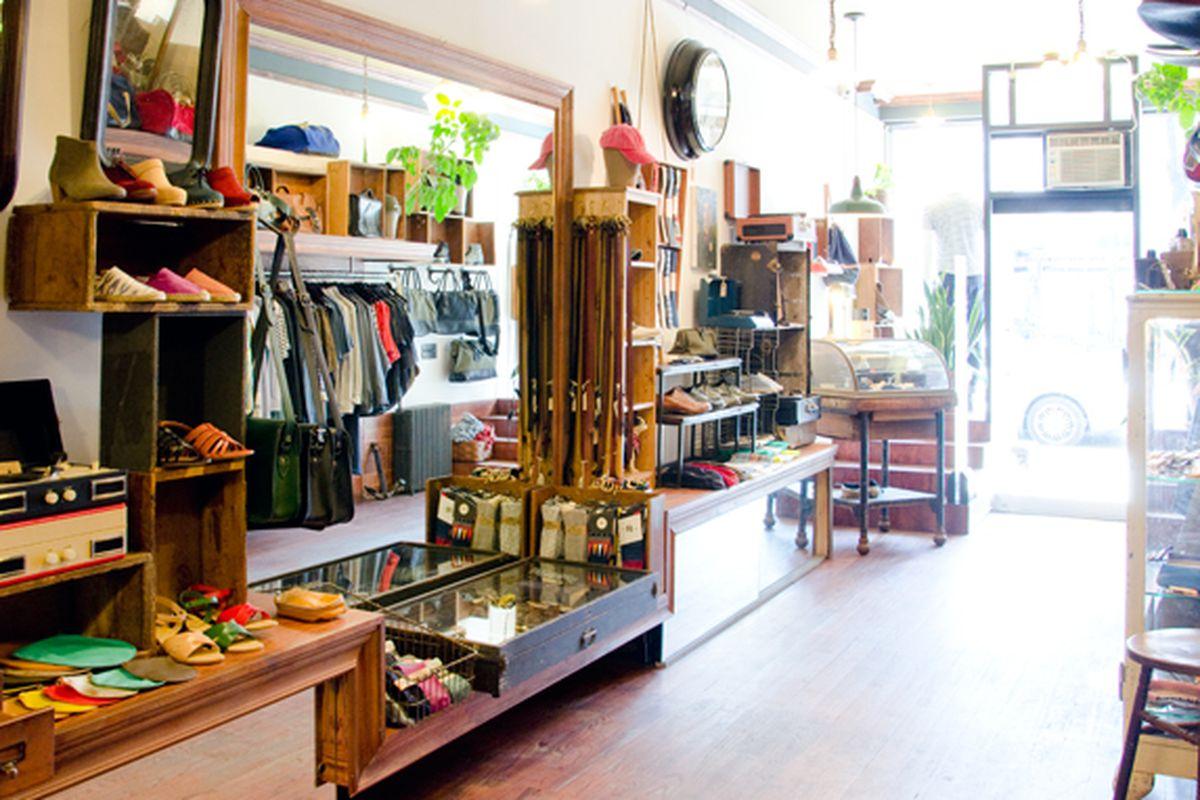 "Photo via <a href=""http://www.ingodwetrustnyc.com/stores/lafayette/"">In God We Trust</a>"
