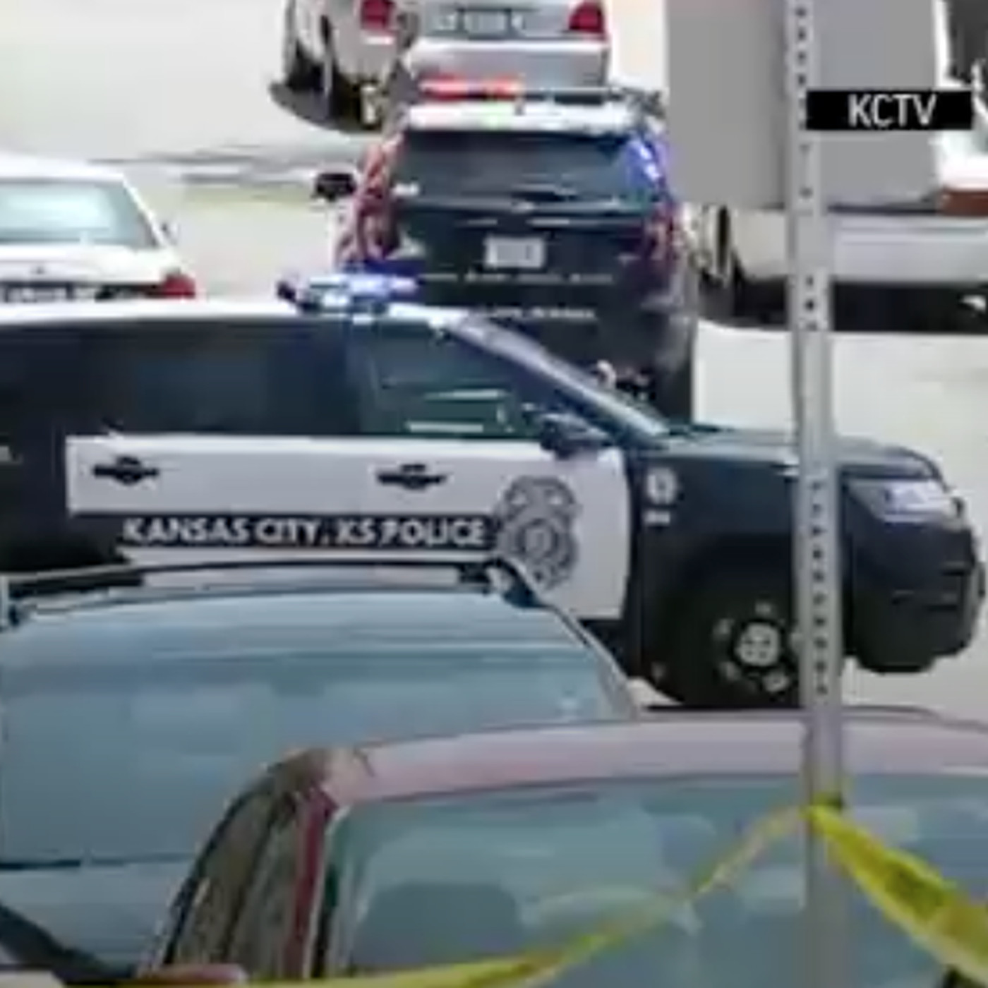 Kansas City courthouse shooting: 1 sheriff's deputy killed, another