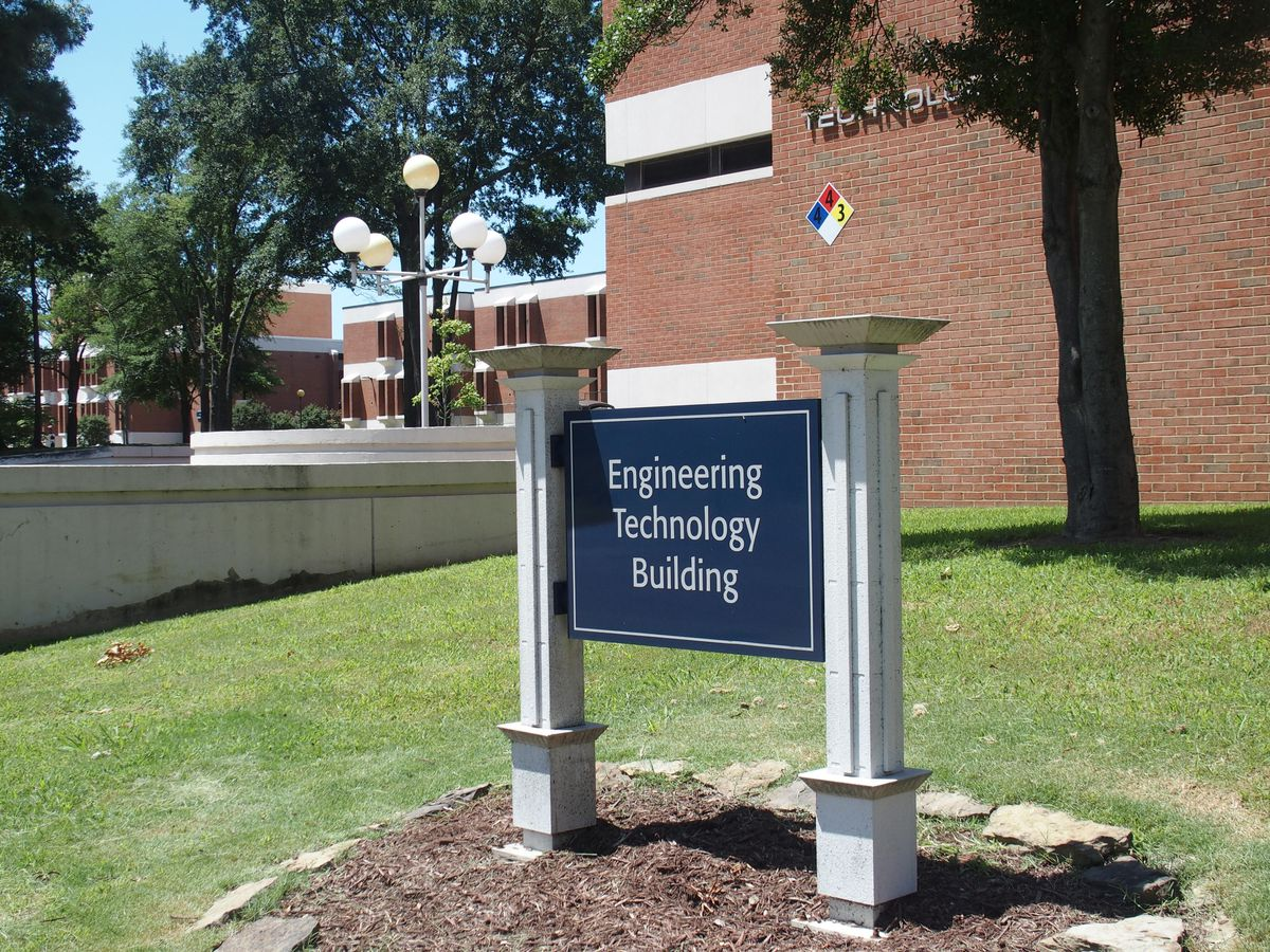 The University of Memphis hosted a free two-day robotics teacher training in the Engineering and Technology Building on campus. It was facilitated by the West Tennessee STEM Hub, a collaborative initiative funded by a federal grant. The actual training was paid for by a $20,000 grant from the Tennessee Valley Robotics Foundation and another nonprofit known as Bicentennial Volunteers Incorporated.