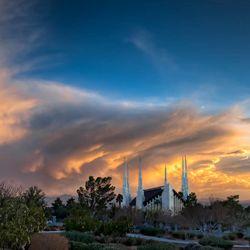 A Light On The Hill Las Vegas Nevada Temple Reaches 25 Year Milestone Deseret News