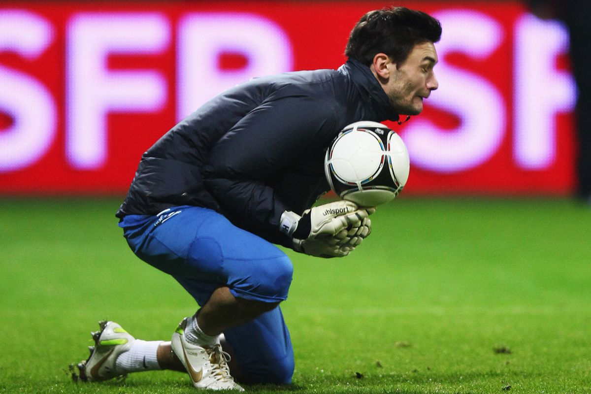 BREMEN, GERMANY - FEBRUARY 28:  Hugo Lloris of France in action during training session of France at Weser stadium on February 28, 2012 in Bremen, Germany.  (Photo by Joern Pollex/Bongarts/Getty Images)