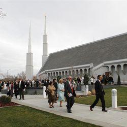 President Thomas S. Monson rededicated the Boise Idaho Temple, orginally dedicated in 1984,  on Nov. 18. Elder David Bednar, Elder William R. Walker, and Elder Craig Christensen accompanied him to dedication events.