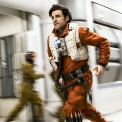 Star Wars: The Last Jedi  Poe Dameron (Oscar Isaac)  Photo: David James  ©2017 Lucasfilm Ltd. All Rights Reserved.