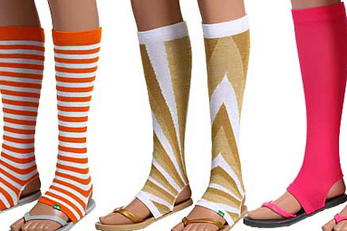 """These are Tube Flops, flip-flops with built in legwarmers. They exist. Via <a href=""""http://www.thefashionpolice.net/2009/09/the-tube-flop-a-flip-flops-stuck-to-legwarmers-crime.html"""">The Fashion Police</a>"""