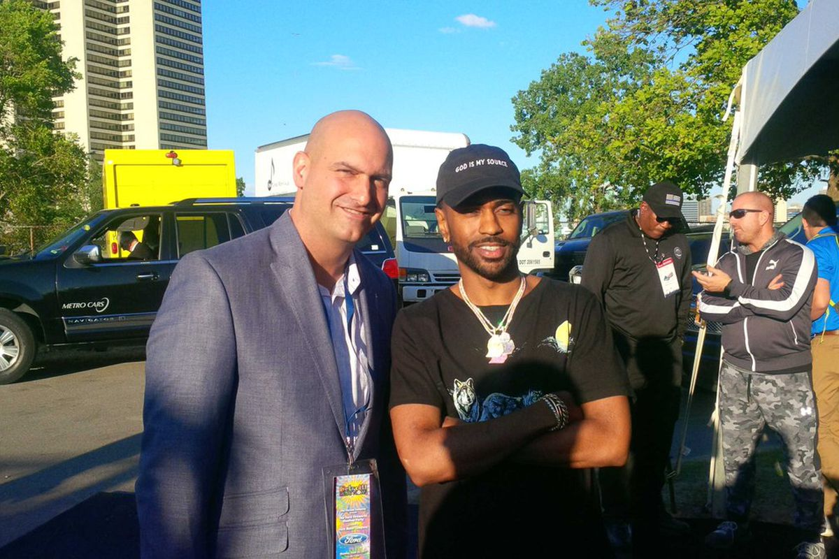 Superintendent Nikolai Vitti and Big Sean pose together at an event in 2017.