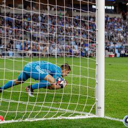 July 3, 2019 - Saint Paul, Minnesota, United States - Minnesota United goalkeeper Vito Mannone (1) catches the ball during the Minnesota United vs San Jose Earthquakes match at Allianz Field.