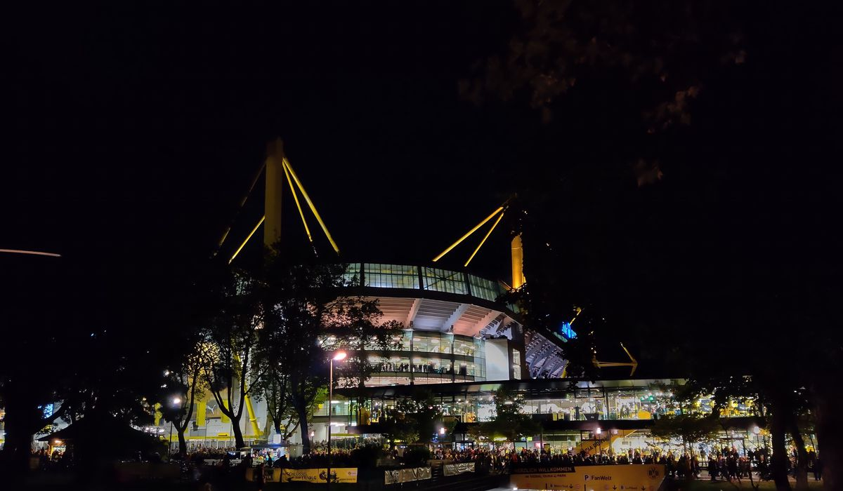 A Borussian in Borussia, Borussia Dortmund fan, Yellow