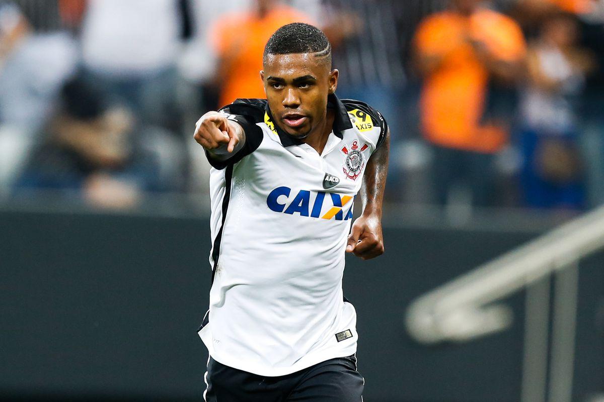 Corinthians v Goias - Brasileirao Series A 2015