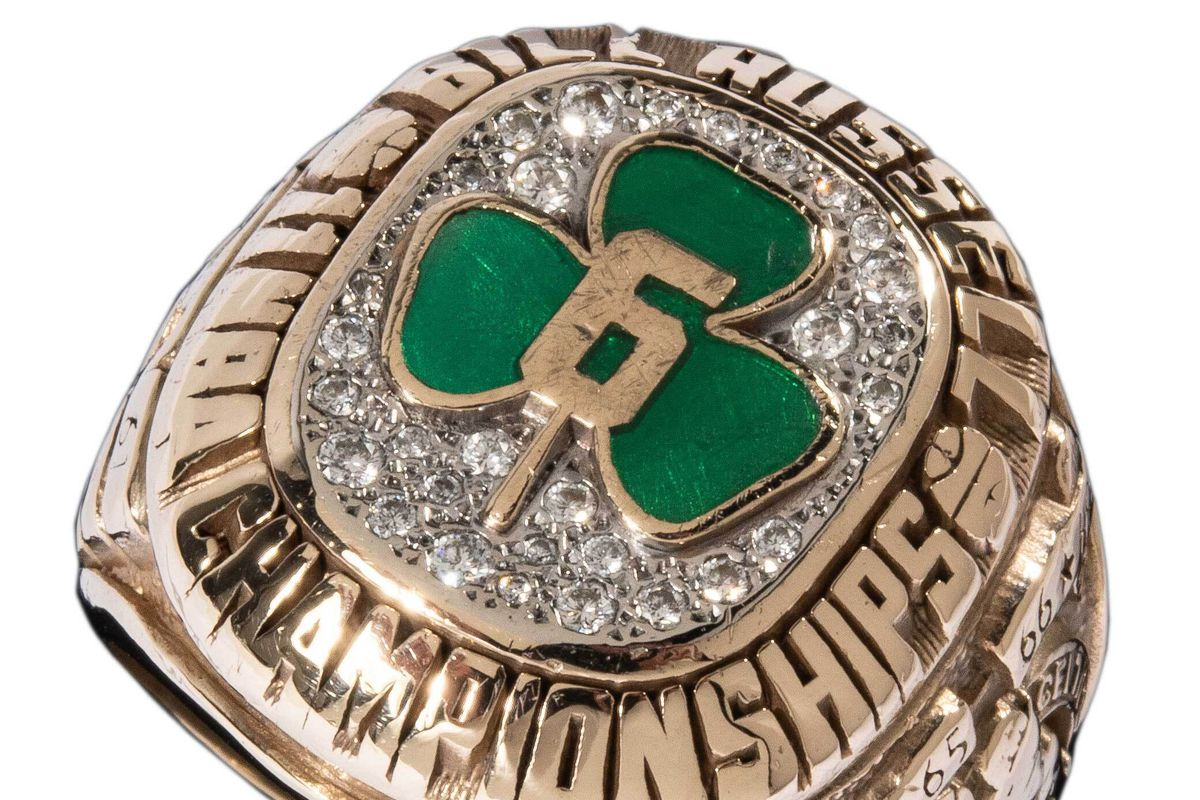 A Celtics NBA championship ring is among the items Bill Russell is putting up for auction.
