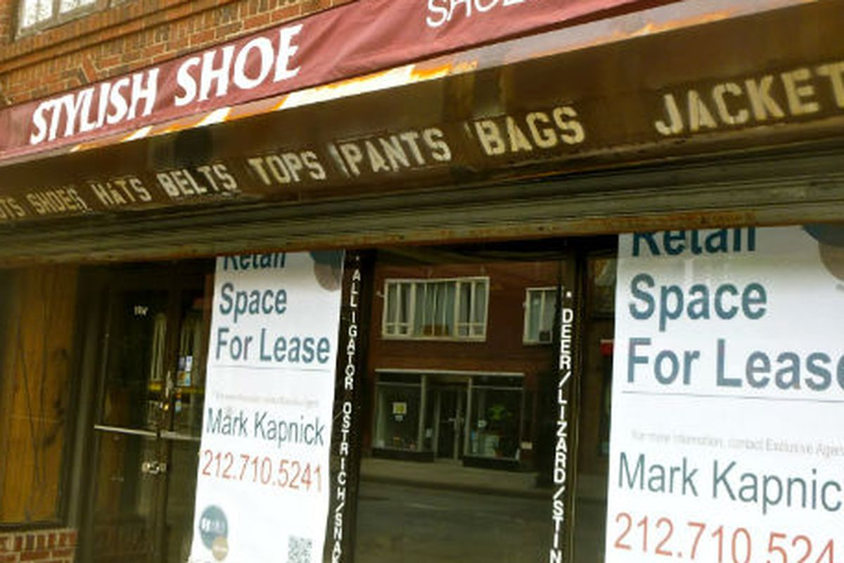 "Image via <a href=""http://vanishingnewyork.blogspot.com/2012/04/stylish-shoe.html"">Jeremiah's Vanishing New York</a>"