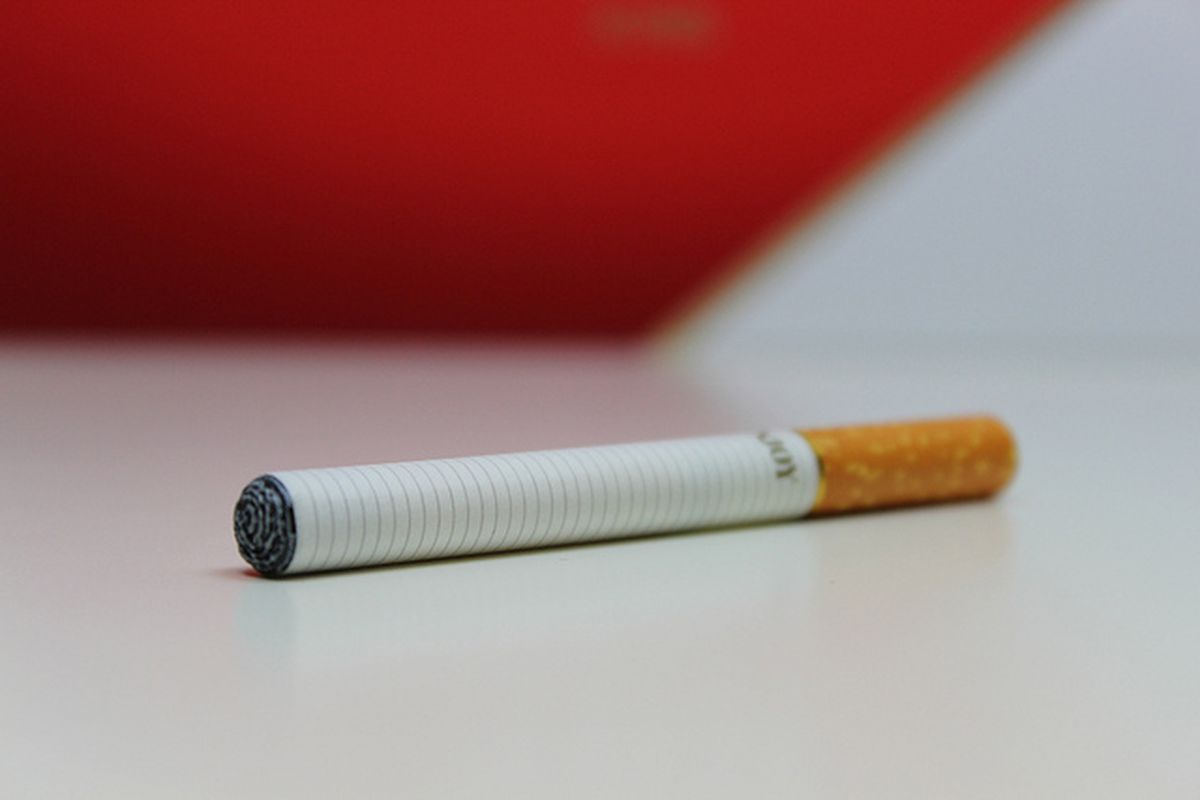 County jails are selling e-cigs to calm inmates and make more money - The  Verge