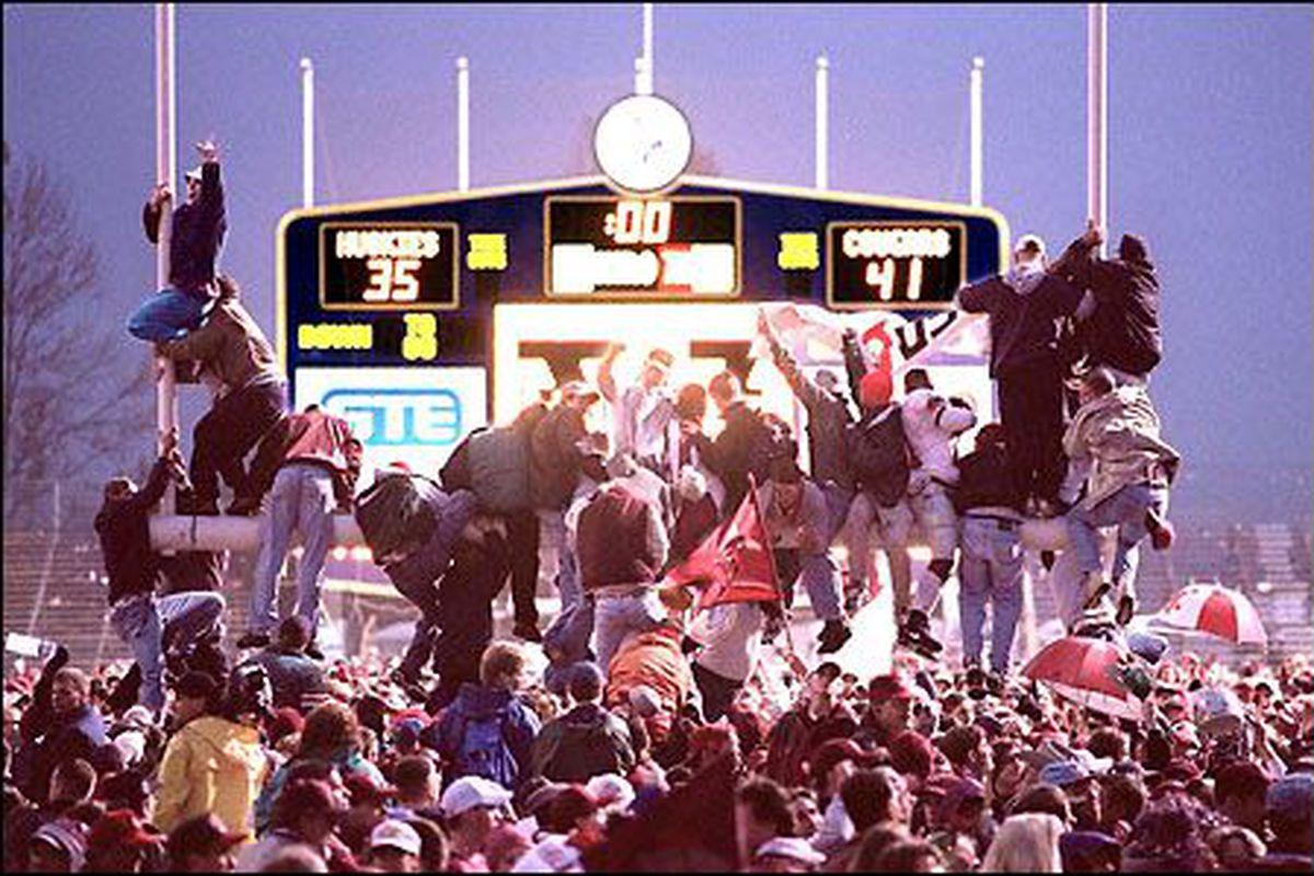 "via <a href=""http://www.nwsportsbeat.com/wp-content/uploads/2011/11/1997-Apple-Cup.jpeg"">www.nwsportsbeat.com</a>"