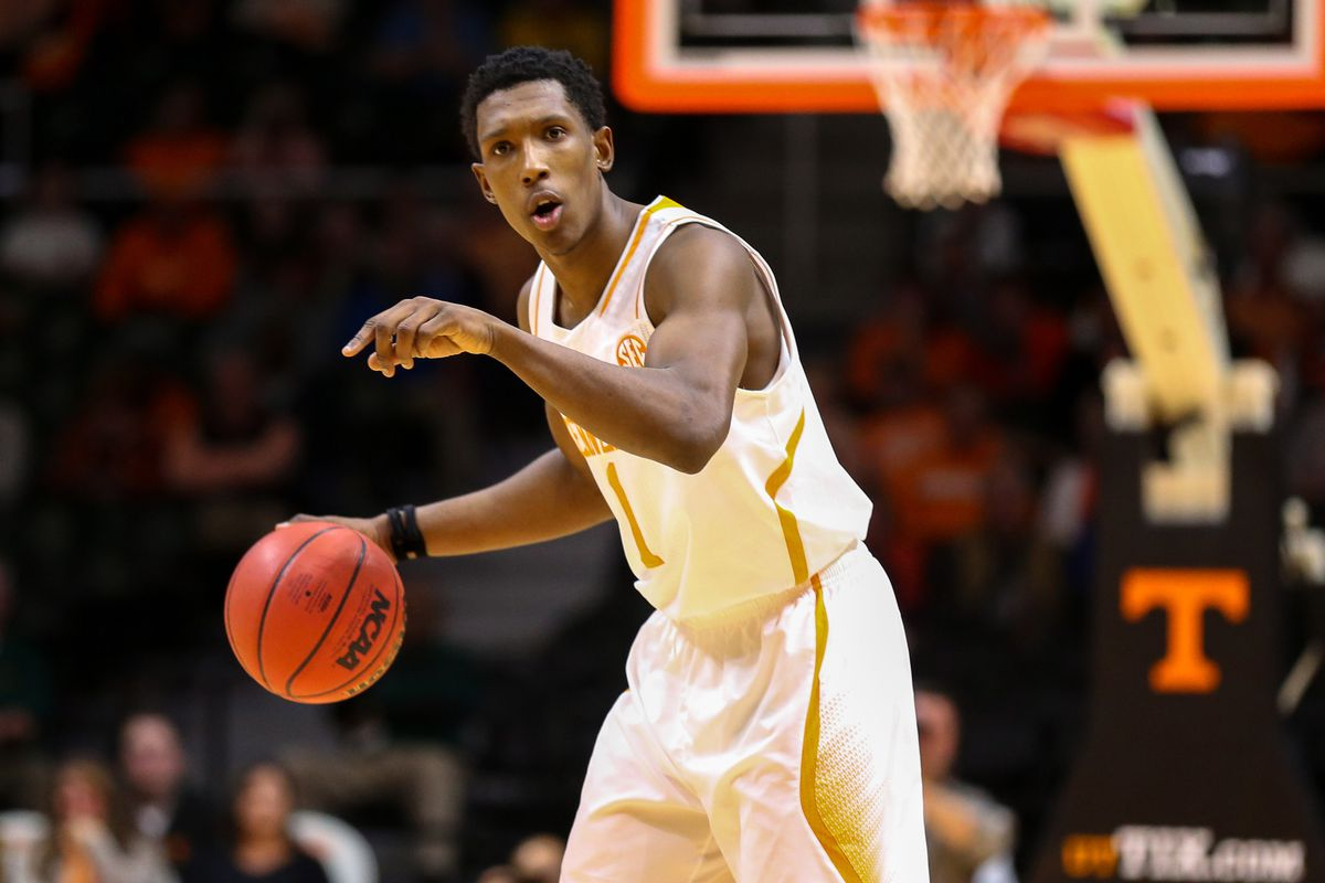 Josh Richardson runs the point for the Tennessee Volunteers