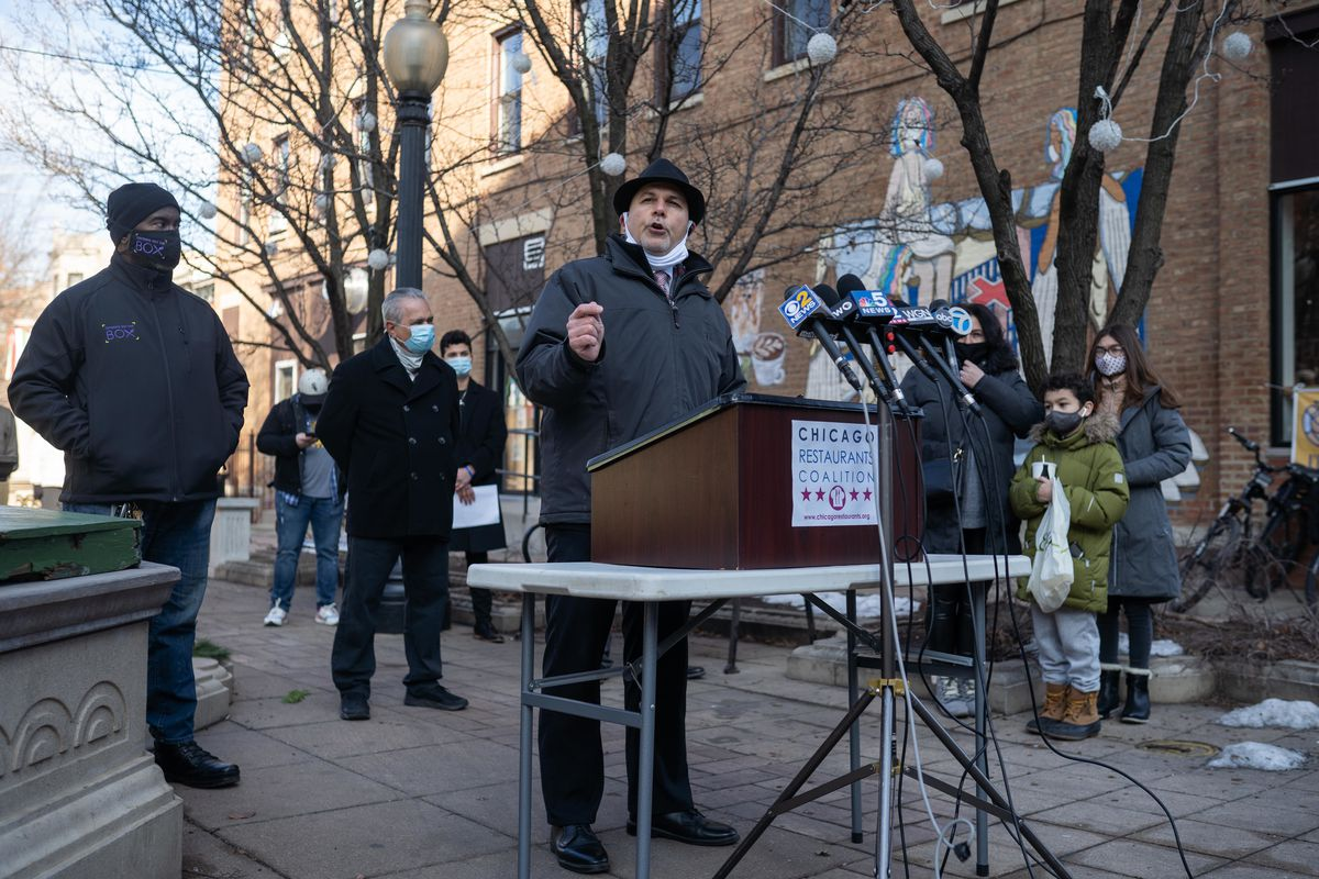 Roger Romanelli, the Chicago Restaurants Coalition coordinator, at news conference in January, Jan. 12, 2021.